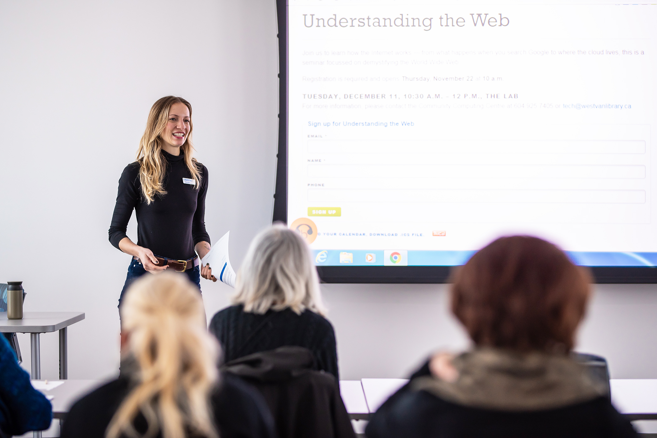 a staff member presenting a tech class in The Lab